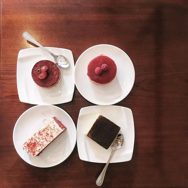 Bánh ngọt - Tiệm bánh Chez Moi / Đối diện 19 Ngõ Hàng cháo. Giá: 40.000.