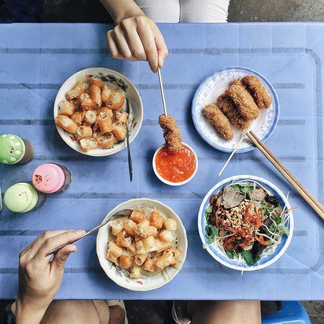 Cháo sườn sụn - Khu ẩm thực chợ Thành Công: Giá: 40.000.