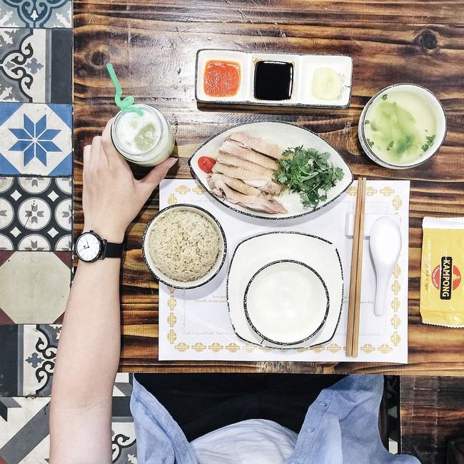 Cơm gà Hải Nam - Kampong Chicken House: Giá: 90.000.