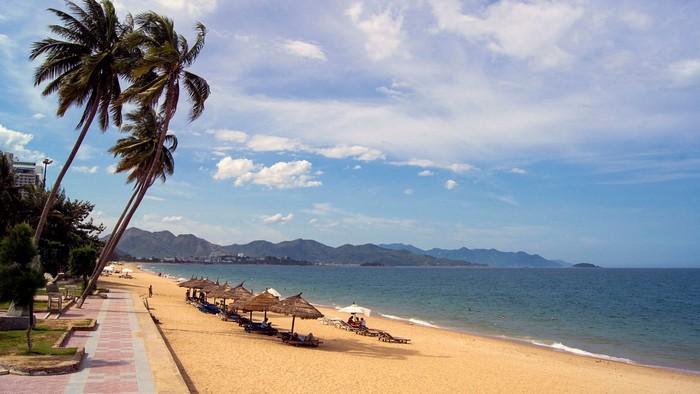 Những bãi biển đẹp là một điểm đến không thể bở lỡ ở Nha Trang