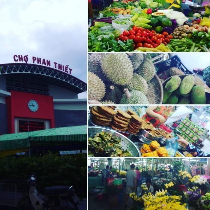 Khu chợ Phan Thiết bán đủ mọi loại đặc sản - Ảnh: Hangp.t