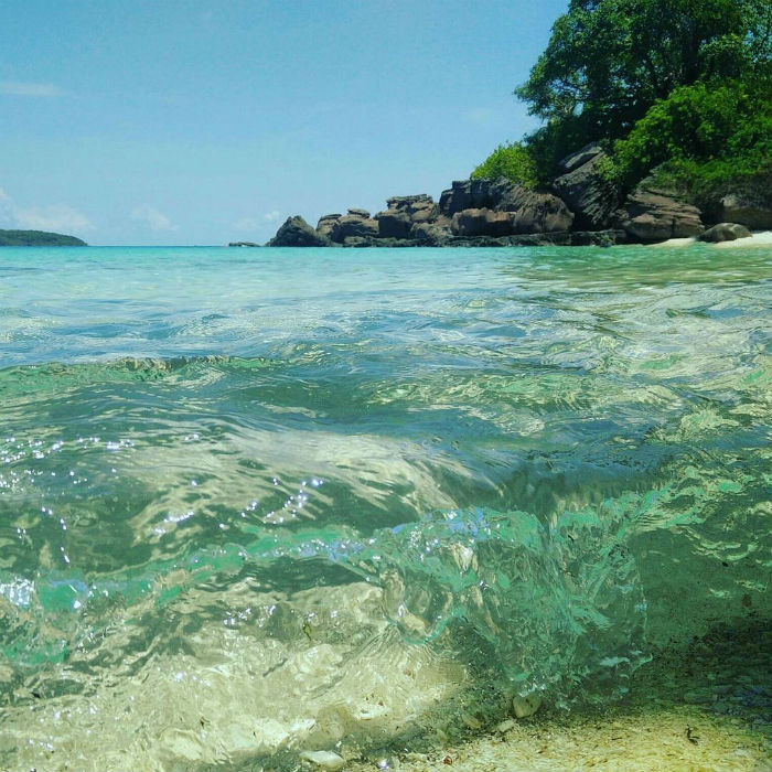 Vùng biển vắng, đầy nắng và xinh đẹp