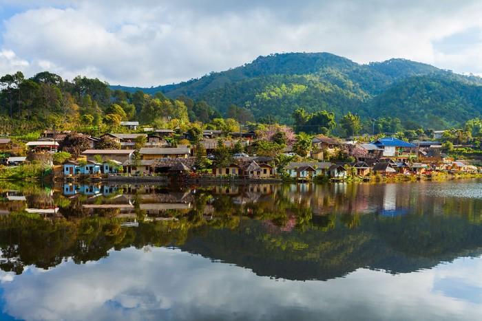 Ban Rak Thai - ngôi làng đẹp như tranh vẽ