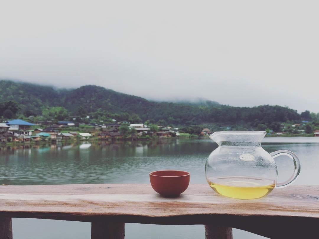 Thưởng thức tách trà Ban Rak Thai