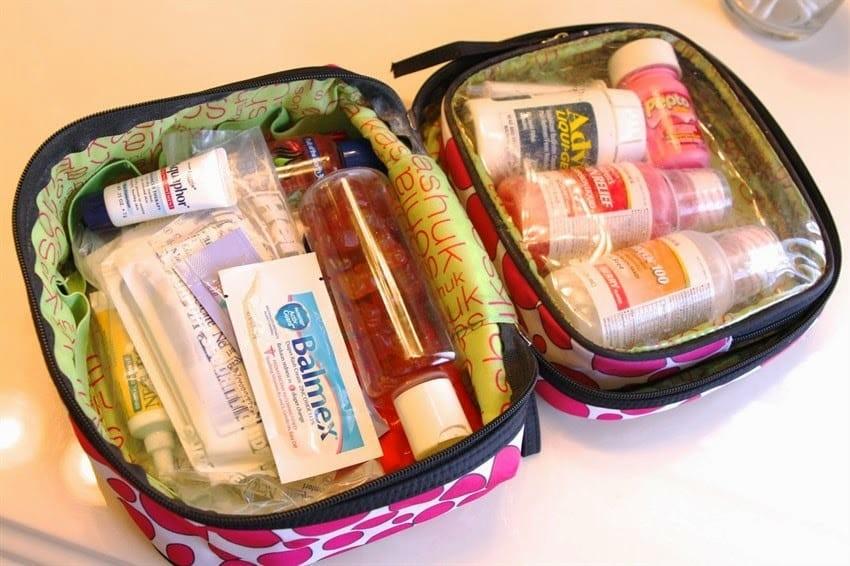 Cũng đừng quên những loại thuốc cần thiết để đề phòng đau ốm trong chuyến hành trình