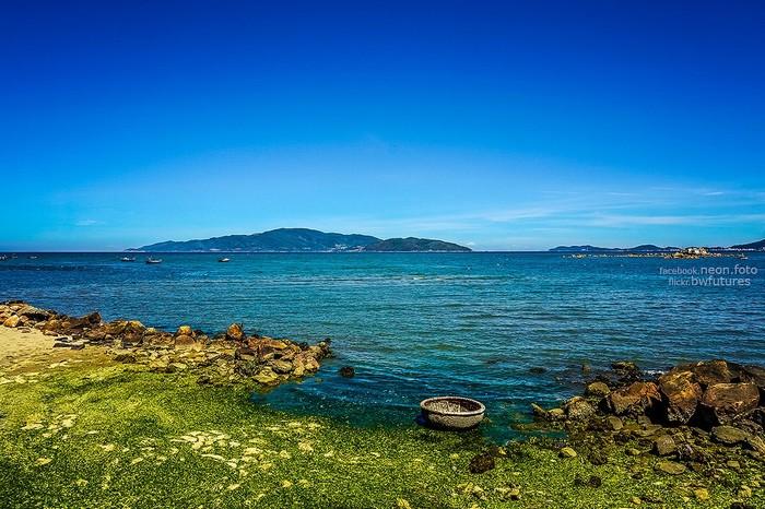 Tắm biển Nha Trang cần hết sức cẩn thận