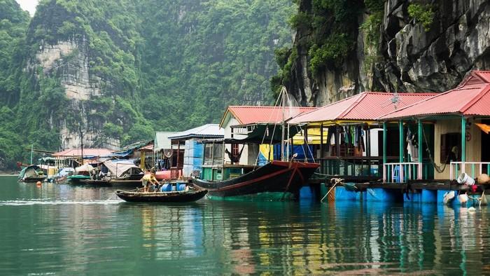 Cửa Vạn - nơi lưu giữ những nét văn hóa đặc trưng của làng chài Hạ Long