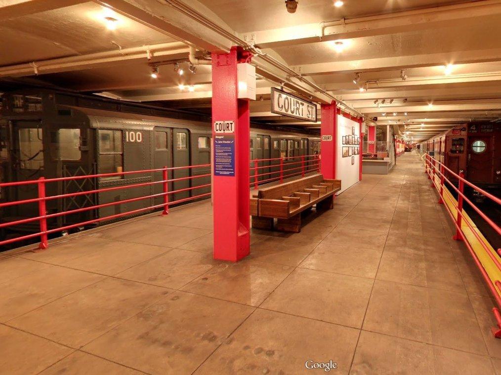 Bảo tàng New York Transit được lập nên để gìn giữ, tái hiện phần lịch sử sống động của ga tàu điện ngầm cổ kính ở Brooklyn, New York, Mỹ.