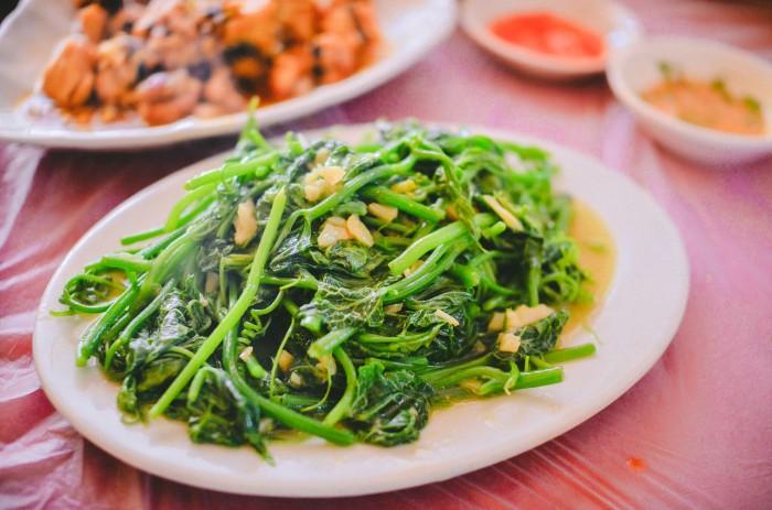 Thử món rau tươi ngon ở Sapa