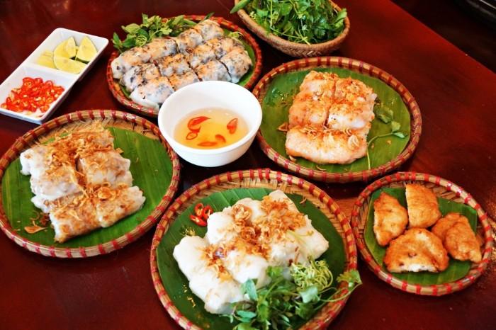 Bánh cuốn chả mực - đặc sản nổi tiếng Hạ Long (Quảng Ninh)