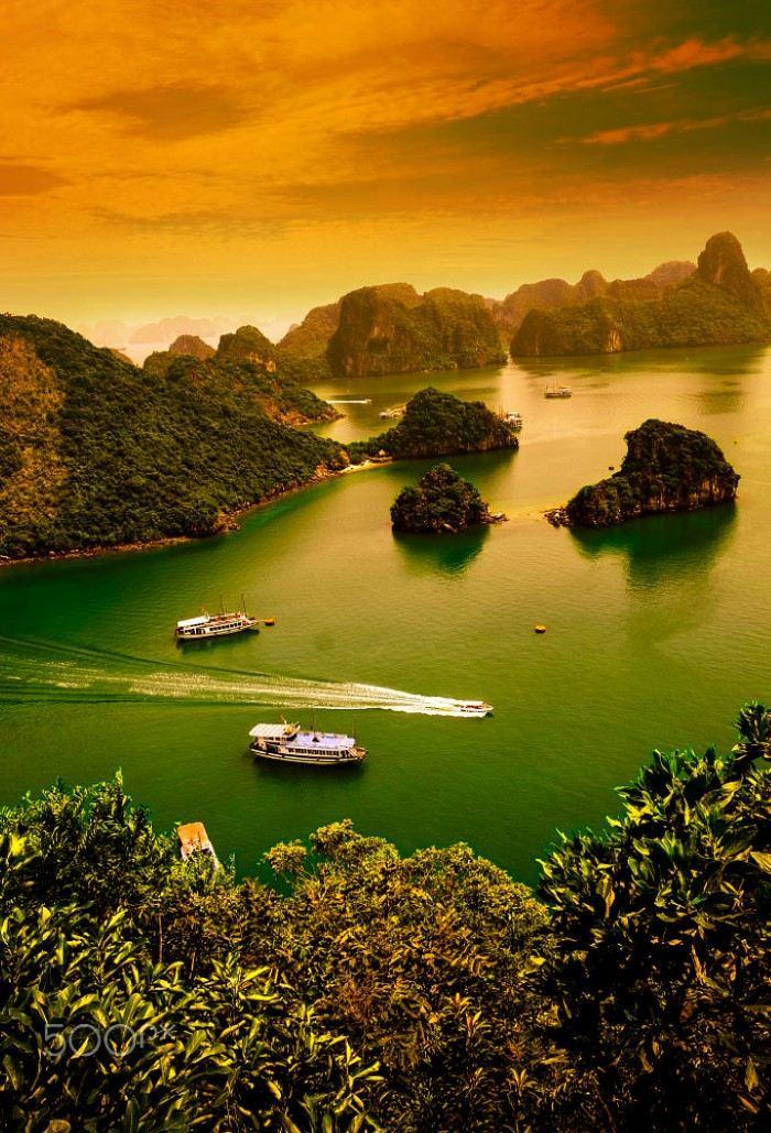 Vịnh Hạ Long những ngày sang thu đẹp nên thơ biết bao!