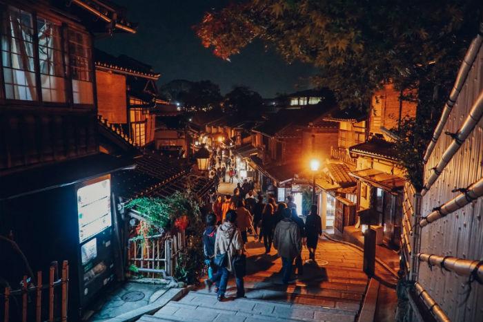 Góc phố cổ ở Kyoto - Ảnh: Lê Nhâm Quý