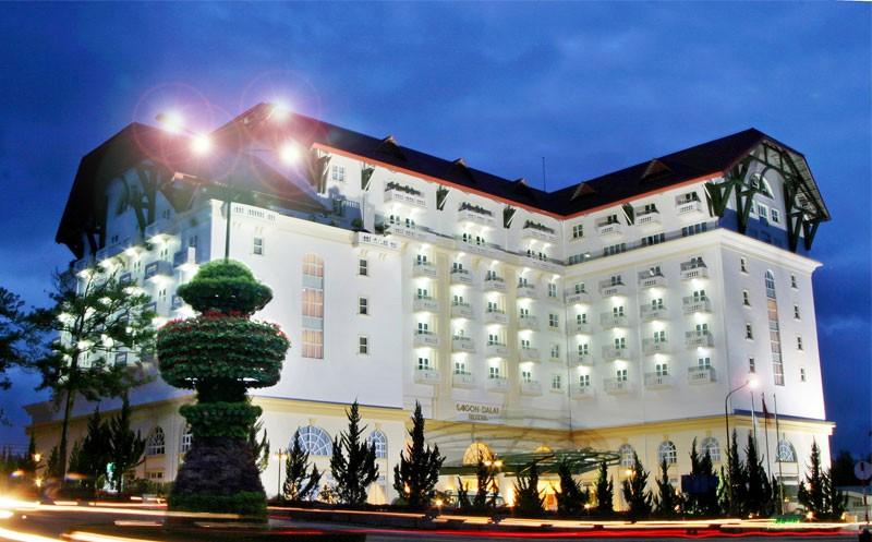 Gam màu trắng tinh tế ở khách sạn Sài Gòn Đà Lạt
