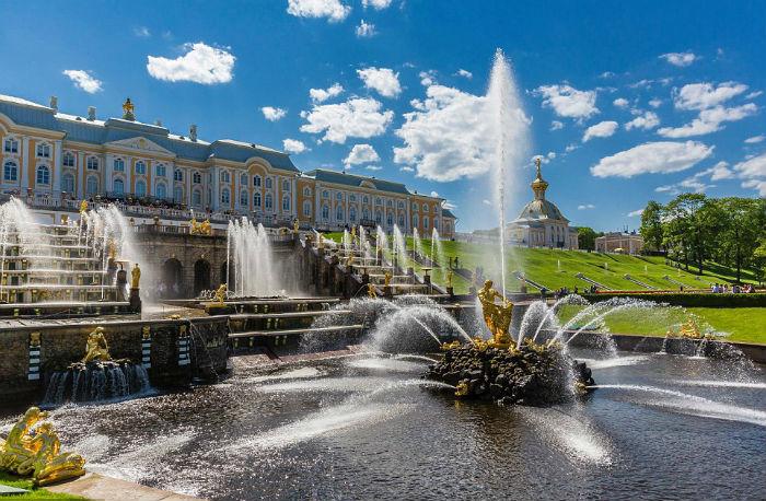Peterhof, Nga