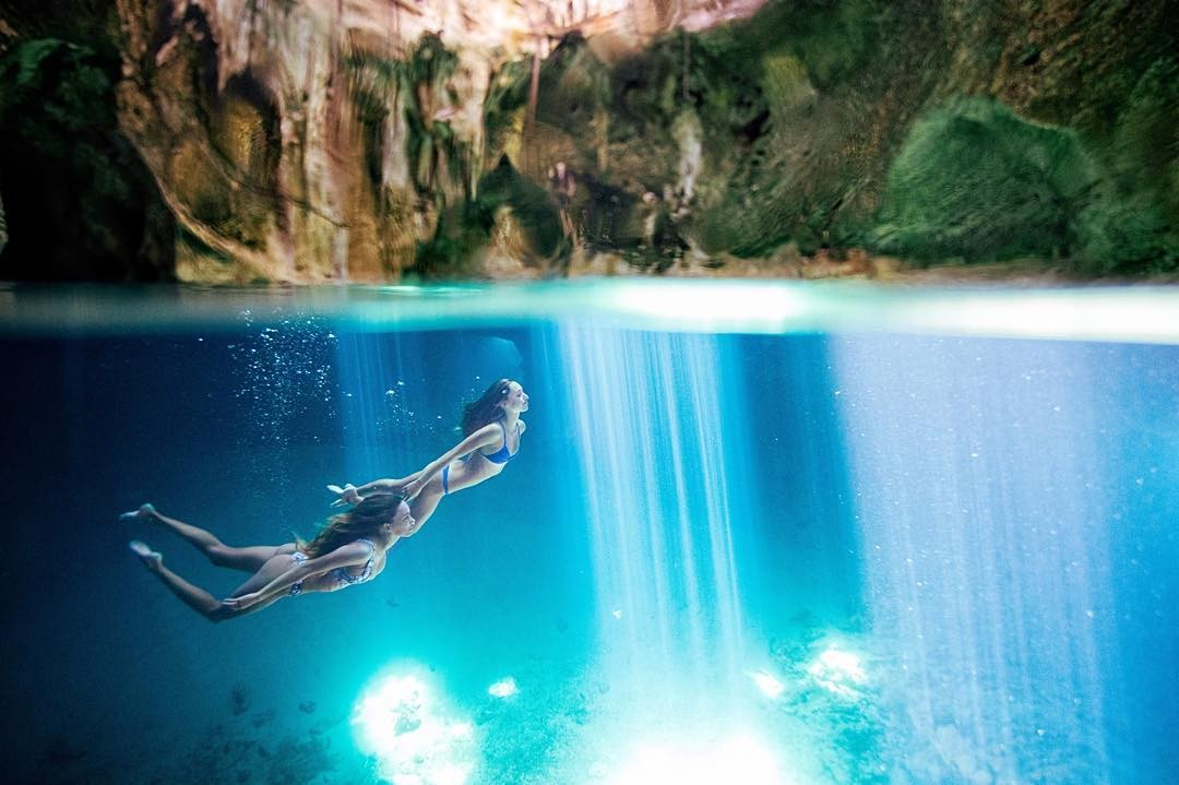 Vậy sao bạn lại không thử thay đổi, chụp hình dưới nước cũng rất thú vị đấy