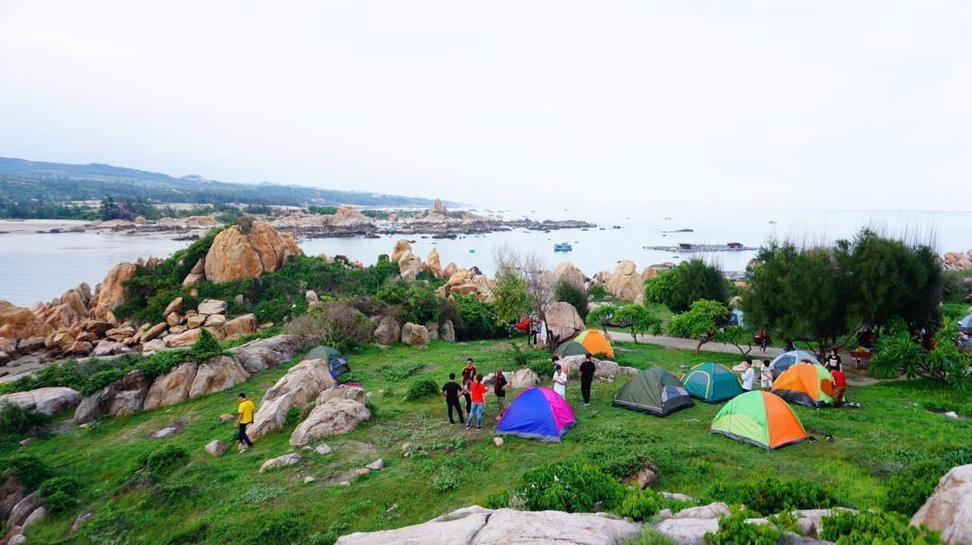 Dừng chân cắm trại trên đồi gió lộng