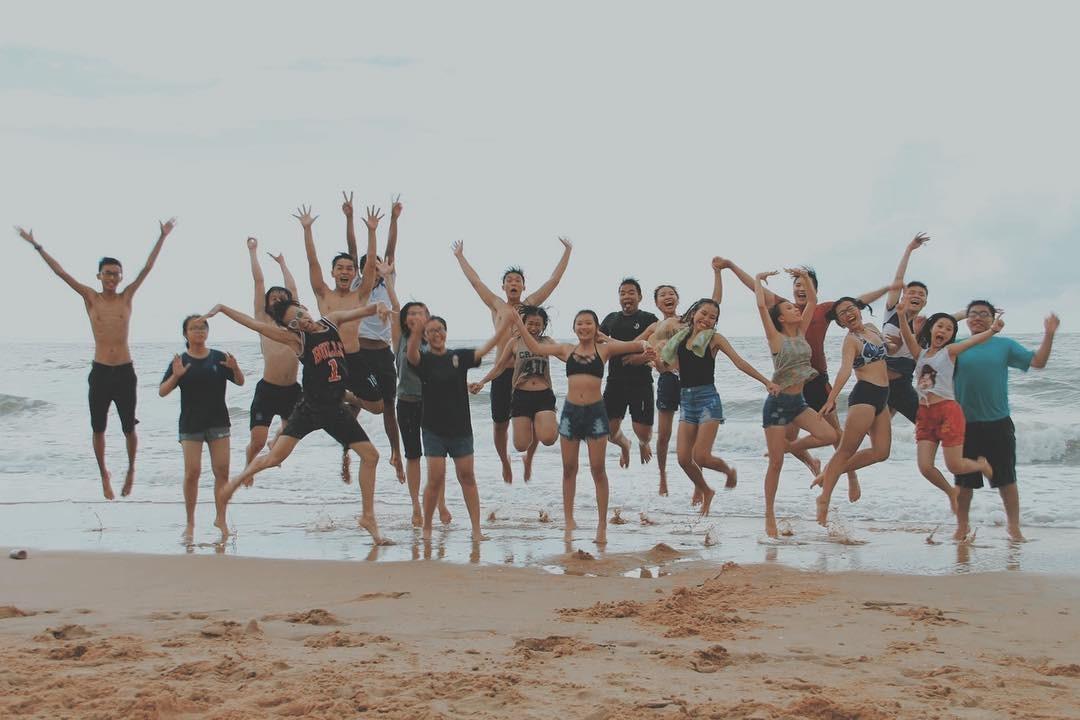 Cùng 'đồng đội quẩy tưng bừng' ở Hồ Cốc
