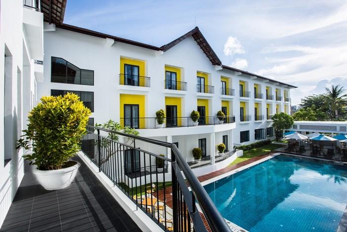 Lấy ý tưởng từ sắc vàng gợi nét cổ kính của phố cổ Hội An, kết hợp với màu xanh mát mắt, khách sạn được thiết kế với 3 tiêu chí chủ đạo: Rõ ràng, sáng sủa, và cân đối.