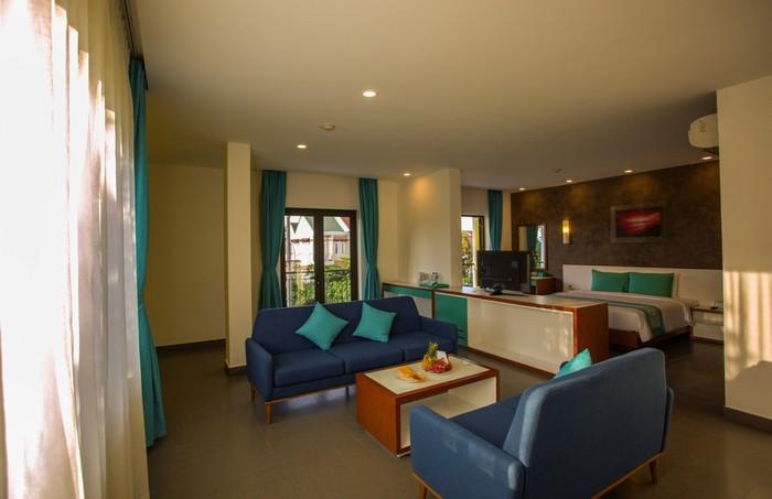 Khách sạn gồm 92 phòng, với diện tích 23 – 56 m2.