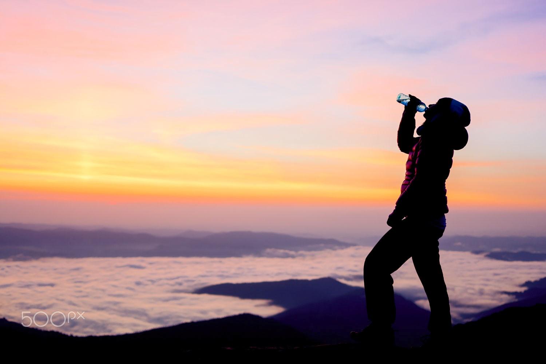 Hay phượt núi thì nước uống đóng chai vẫn là người bạn đường lý tưởng