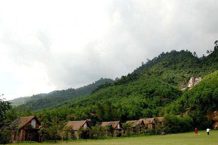 Nép mình giữa núi đồi xanh ngát