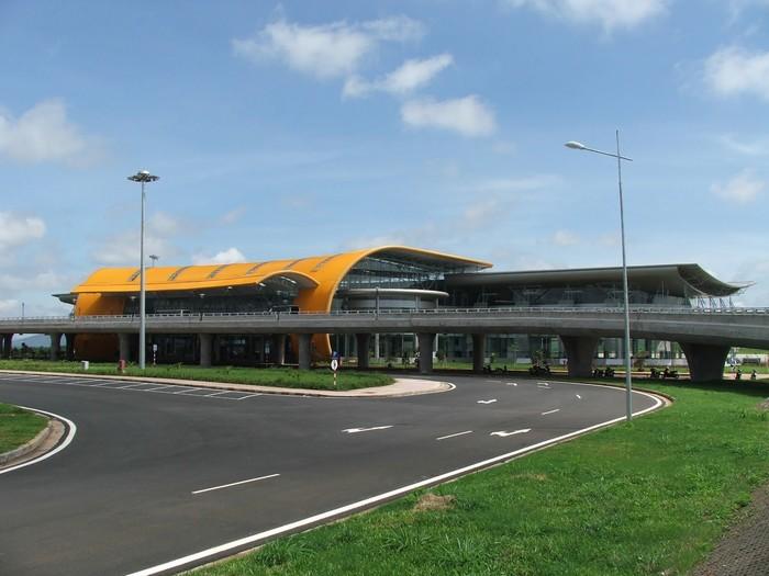 Đến sân bay Liên Khương, bạn phải đi thêm một chuyến xe để vào đến trung tâm Đà Lạt
