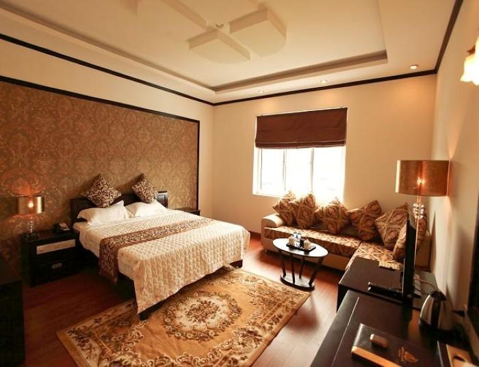 Phòng ngủ Deluxe của khách sạn Golden Hạ Long