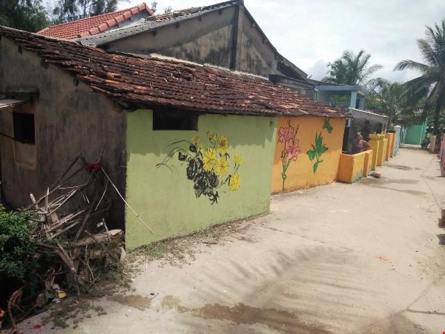 Những ngôi nhà cũ kỹ