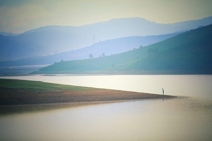Cảm xúc vỡ òa khi chạy bộ 3 km từ bờ bên này sang bờ bên kia, để nhận ra rằng con người thật nhỏ bé trước thiên nhiên.