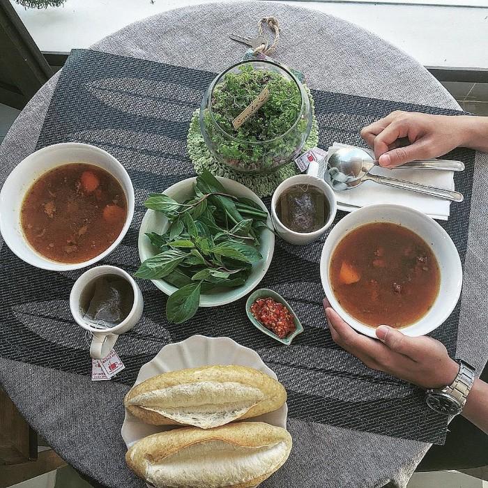 Bữa sáng đậm đà hương vị - Ảnh: alittlegirl___