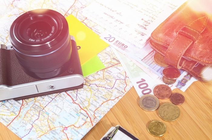 Phí tổn du lịch ở phụ nữ cao hơn đàn ông