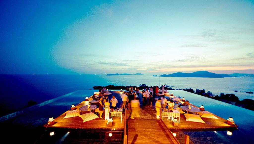 Đây thật sự là một điểm hấp dẫn du khách, đặc biệt với quang cảnh hoàng hôn tuyệt đẹp.