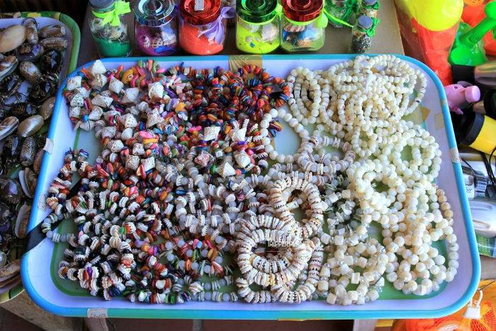 Vòng làm từ sò, ốc