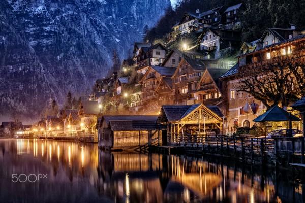 Và khi đặt chân lên Hallstatt, ta lại nhớ đến những mỏ muối lâu đời nhất thế giới - Ảnh: Theory4 · Verses in Imagery