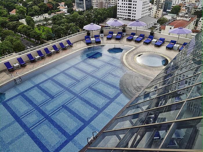 Năm 2013, Sofitel Saigon Plaza nhận được danh hiệu Khách sạn Đổi mới tốt nhất tại Việt Nam do Giải thưởng Khách sạn Quốc tế trao tặng.