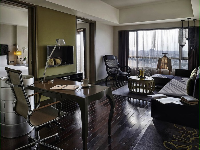 Ngoài ra, khách sạn còn nhiều phòng hạng sang và phòng Prestige Suites cao cấp, có mức giá thấp nhất là 130 USD.