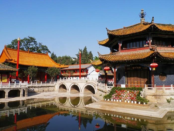 Ngôi đền có kiến trúc cổ kính ở Côn Minh