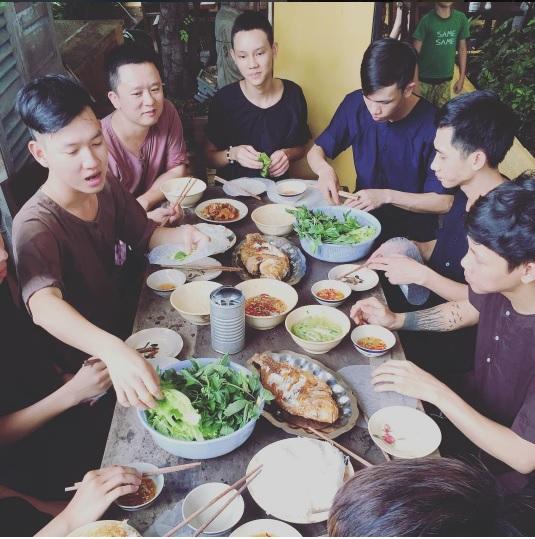 Khi bữa cơm gia đình được trở thành thứ khiến bạn bè quốc tế quan tâm - Ảnh 29.