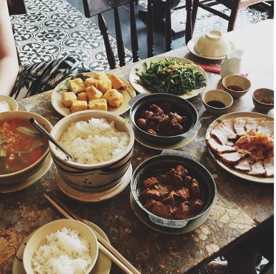 Khi bữa cơm gia đình được trở thành thứ khiến bạn bè quốc tế quan tâm - Ảnh 37.