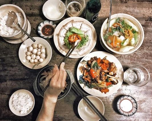 Khi bữa cơm gia đình được trở thành thứ khiến bạn bè quốc tế quan tâm - Ảnh 39.