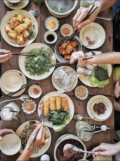 Khi bữa cơm gia đình được trở thành thứ khiến bạn bè quốc tế quan tâm - Ảnh 42.