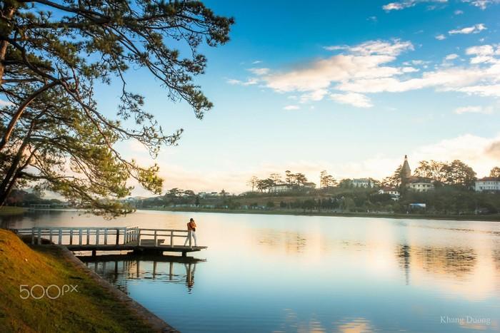 Hồ Xuân Hương trong một sớm mai trong lành