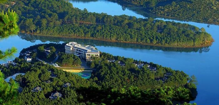 Đà Lạt Edensee Lake Resort & Spa với view đẹp mắt