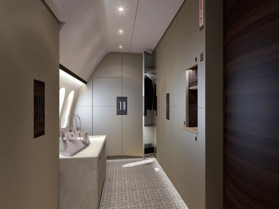 Phòng thay đồ và tủ quần áo trên máy bay