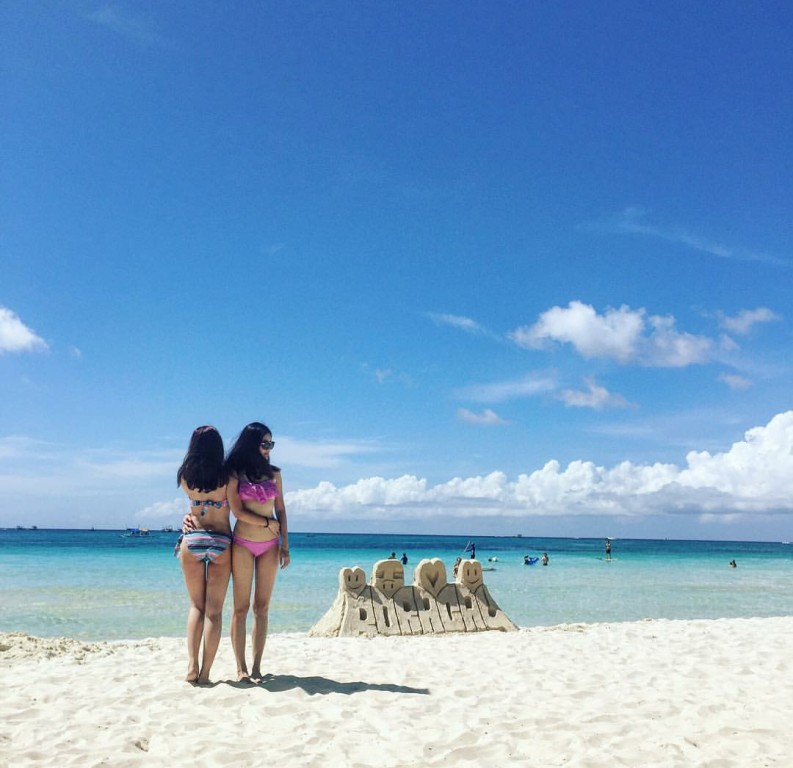 Cùng diện bikini ra biển nào