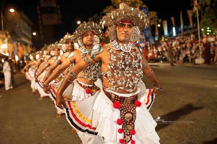 Những vũ điệu đặc sắc trình diễn trong lễ hội