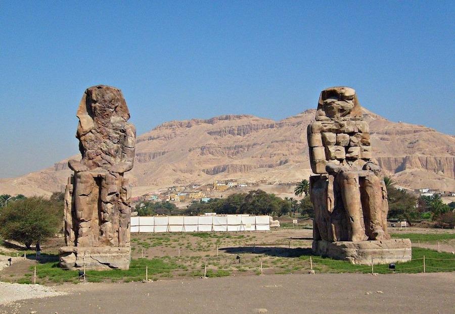 Năm 199, Hoàng đế La Mã Septimius Severus đã cho sửa chữa và trùng tu hai bức tượng. Từ đó, tượng Memnon không còn cất tiếng hát nhưng vẫn là điểm đến thu hút du khách có mong muốn tìm hiểu về một Ai Cập huy hoàng trong quá khứ.