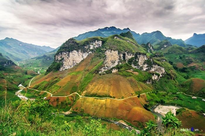Du Già - Mậu Duệ - cung đường ngoạn mục, tuyệt nhất vùng cao nguyên đá Hà Giang