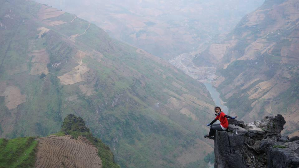 Phương Chíp, tên thật là Bùi Trúc Phương, sinh năm 1995, tại làng chài Vạn Giã, tỉnh Khánh Hòa, có sở thích ăn khắp muôn nơi, chụp ảnh muôn góc phố