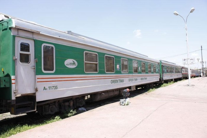 Tàu hỏa đưa du khách về vùng đất xinh đẹp